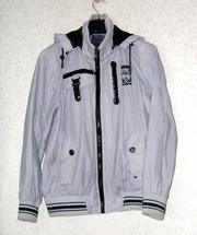 Продаётся подростковая куртка  44-46 размер.